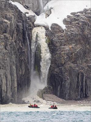 Alkefjellet Wasserfall Zodiac