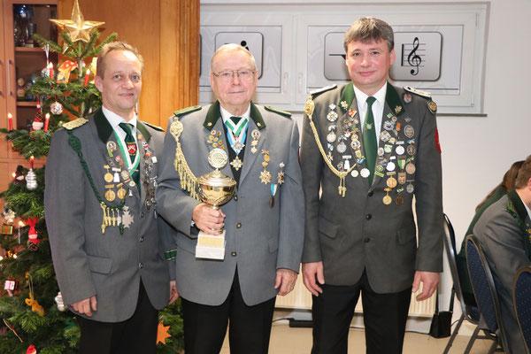von links: 2. Platz Heiko Kaulisch, Sieger König der Vize- und Freihandkönig Peter Ebeling, 3. Platz Thorsten Stradtmann