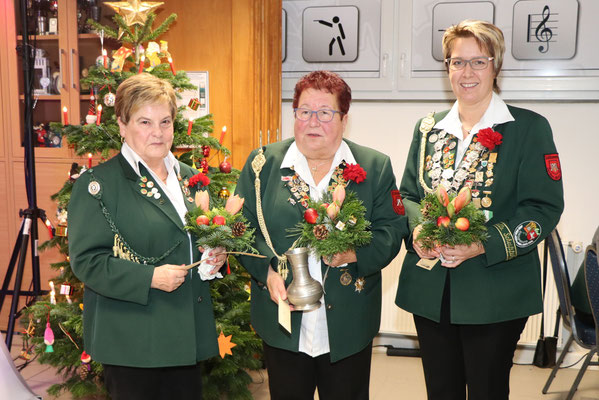 von links: 3. Platz Sigrid Ebeling, Siegerin Ortsratspokal Sieglinde Adomeit, 2. Platz Simone Wöhling