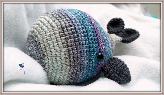 boogid crochet whale