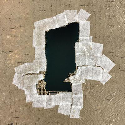 Facing papier Japon/methylcellulose sur les pourtours d'une lacune en vue d'une incrustation de toile de restauration