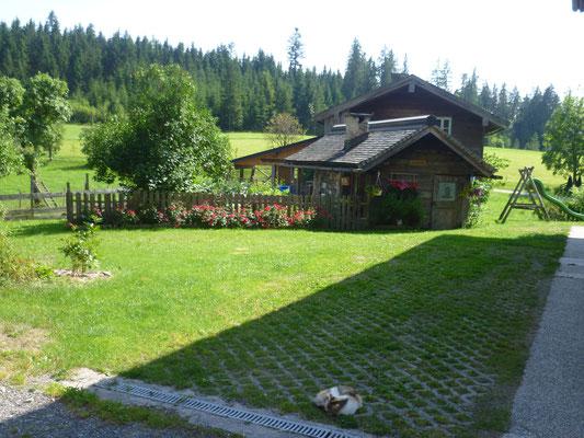Unsere Backhütte vor dem Bauernhaus