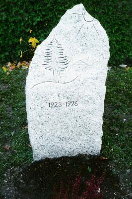 Grabstein / Granit / Gneis Nr. 12