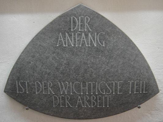 Schriftplatte, Steinbildhauer
