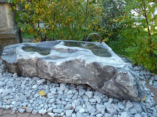 Brunnen, Blausee Kalkstein