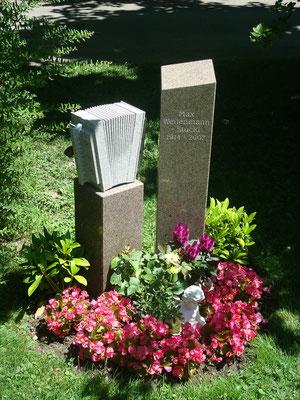 Grabstein / Granit / Gneis Nr. 47