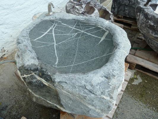 Brunnen, Findling St. Stephan