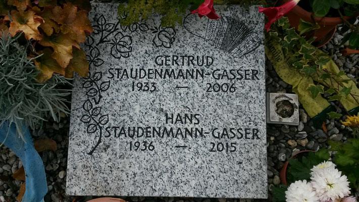 Grabstein / Granit / Gneis Nr. 32