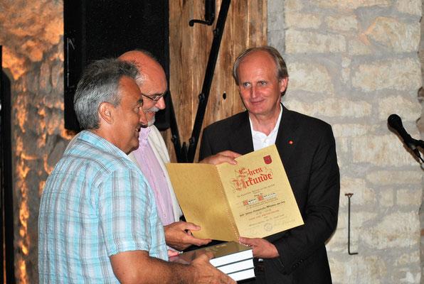 Dank und Anerkennung werden dem Schriftleiter Dr. Sepp Gmasz,