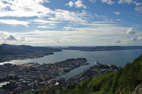Bergen vom Fløyen aus gesehen