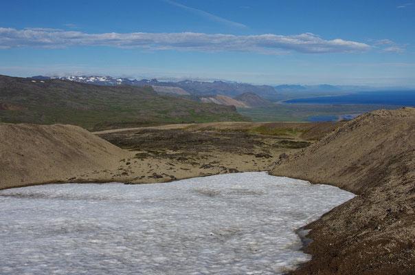 Schneereste auf der Hochlandspiste zum Snæfellsjökull