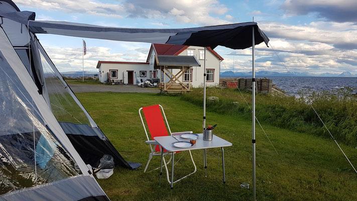 Kvalnesbrygga Camping - unser Platz mit Blick aufs Meer, was will man mehr