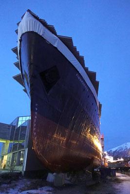 die alte Finnmarken - Teil des Hurtigrutenmuseums in Stockmarknes