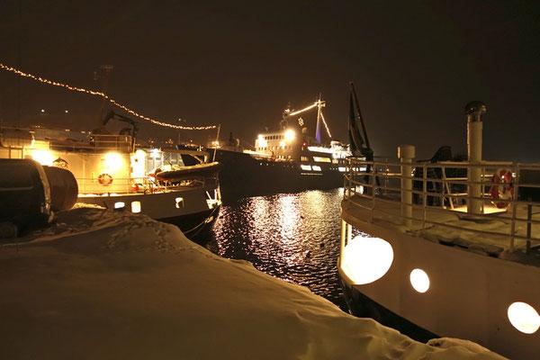 die Lofoten im Hafen von Skjervøy