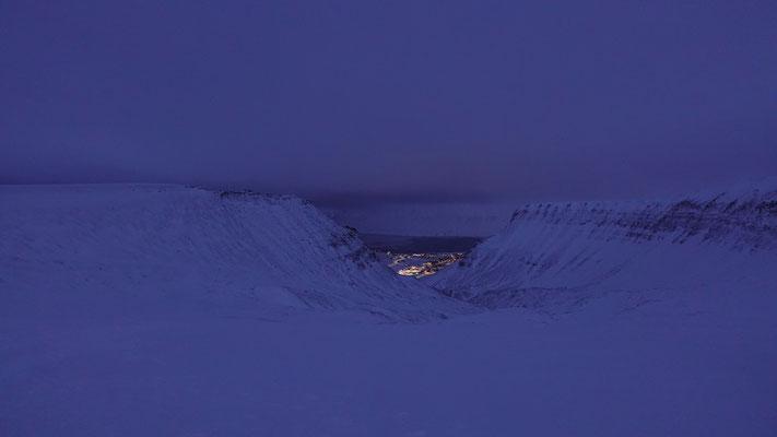 Longyearbyen vom Gletscher aus