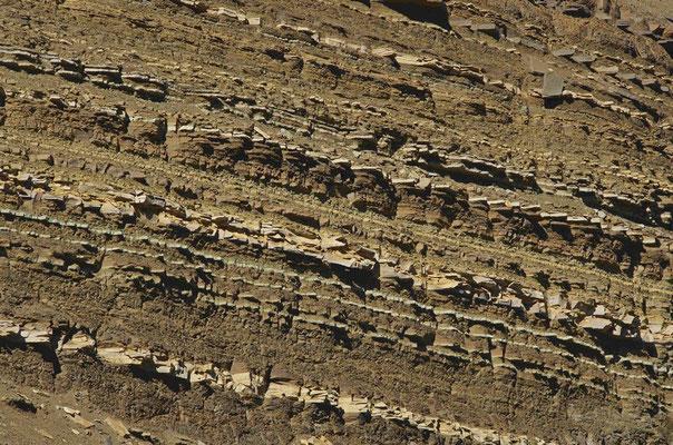 Gesteinsschichten am Hengifoss