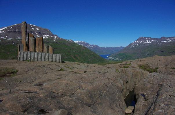 am Mulafoss, Blick ins Tal auf Seydisfjordör