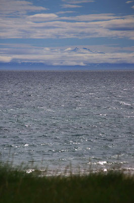 Blick übers Wasser zum Snæfellsjökull