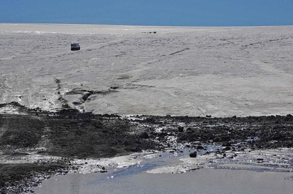 ...die die Touristen über den Gletscher schaukeln