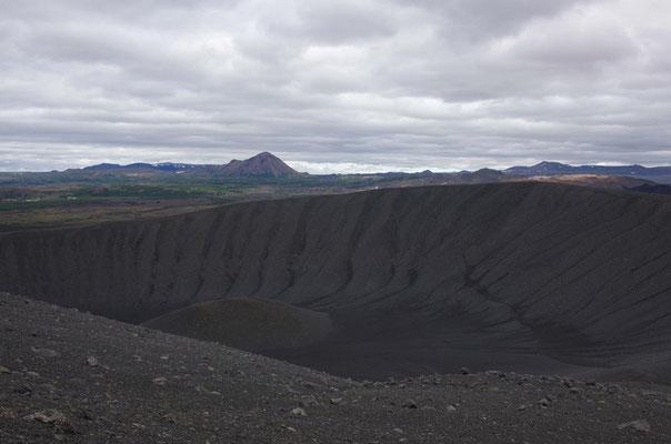 ... auf dem Kraterrand
