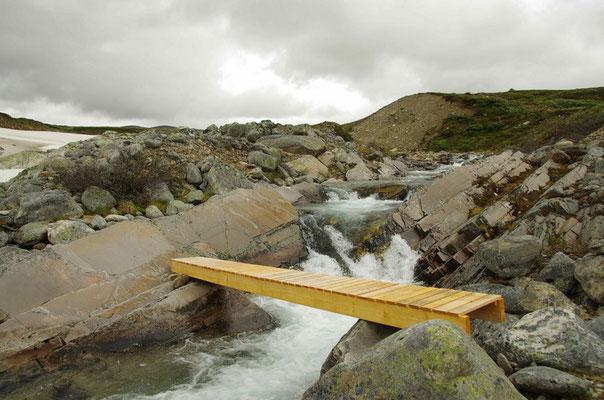 eine provisorische Brücke für eine Saison