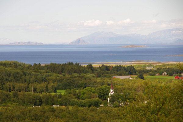 Blick in Richtung Brønnøysund mit Torghatten