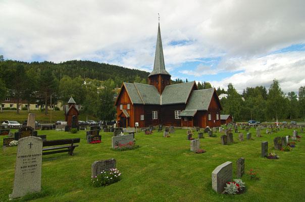 die wunderschöne Holzkirche von Bruflat