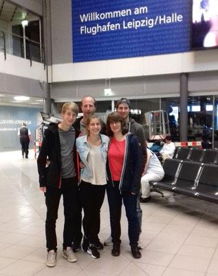 Am Flughafen mit meiner Familie
