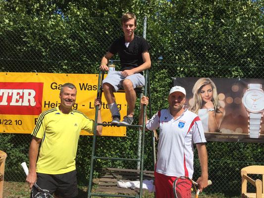 Finalisten mit Schiri Markus Schwarz