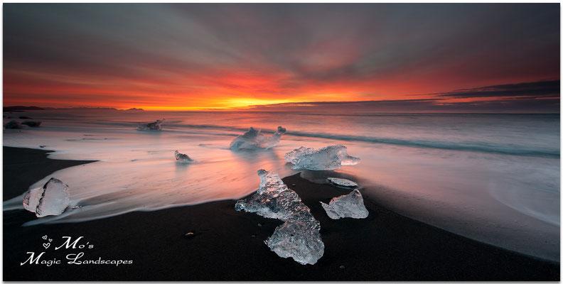 JOKULSARLON BEACH SUNRICE