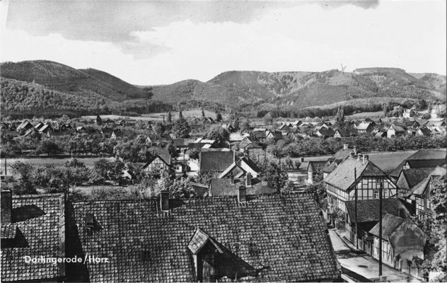 Darlingerode, 196?, Blick vom Kirchturm Altenrode über den Ort, im Hintergrund die Darlingeröder Schweiz