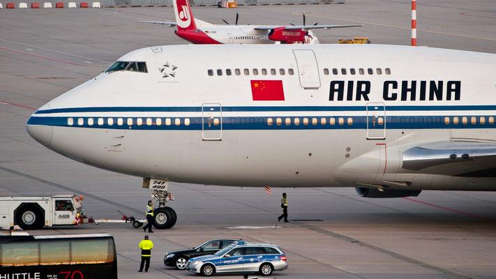 München - Peking und zurück mehrmals im Jahr