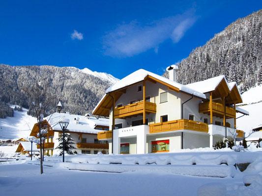 Ferienwohnungen im Haus Großgasteiger im Winter in der Alpinwellt Weißenbach im Tauferer Ahrntal - Pustertal / Südtirol