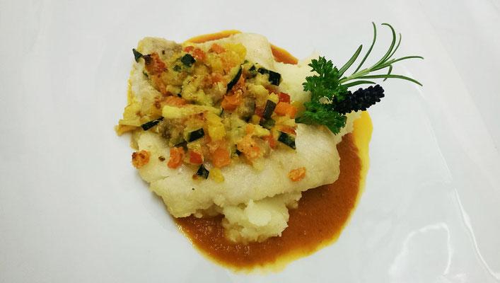 Mahlzeit: Im Hotel Alpenfrieden in Weißenbach im Ahrntal neben unseren Ferienwohnungen im Appartements Großgasteiger in Südtirol