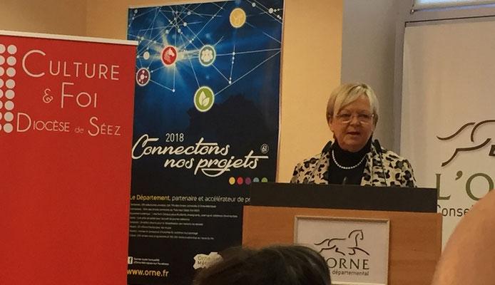 Ouverture du colloque Par un discours introductif de Mme Christine Roimier, vice-présidente du Conseil Départemental, Présidente de la commission de l'éducation, de la culture et du sport.
