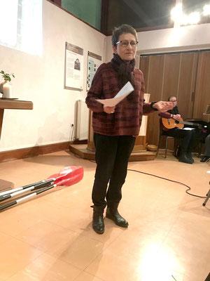 Elisabeth Gautier-Desvaux, présidente de la paroisse protestante qui nous accueillait au Temple.