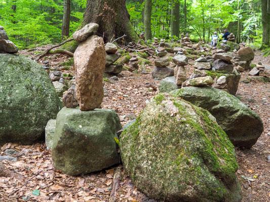 Steinmännchen – ein bisschen wir auf dem Jakobsweg