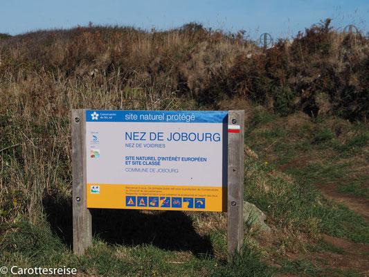 Wandern entlang der Küste. Jobourg.