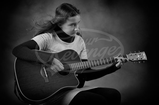 Teenager mit Gitarre, Girl
