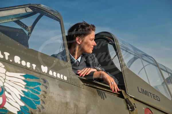 Royal Air Force, Flugzeug, Flieger, Pilotin, P 40 Warhawk