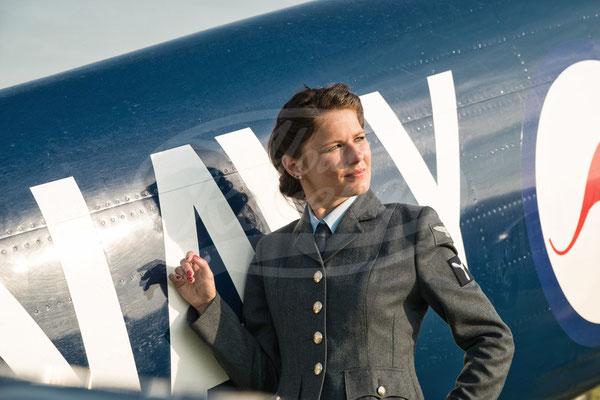 Royal Air Force, Flugzeug, Frau, Fliegerin, Pilotin, Hawker Sea Fury