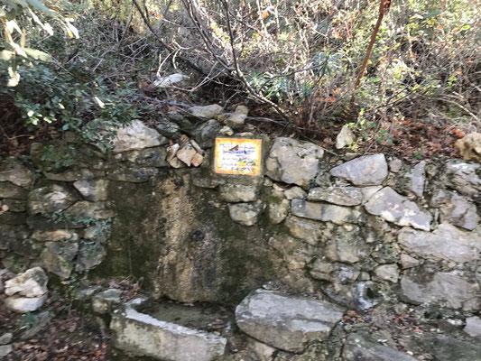 La plaque commémorative de la création des Excurs