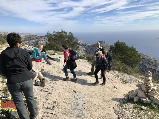 Retour par le sommet de Marseilleveyre