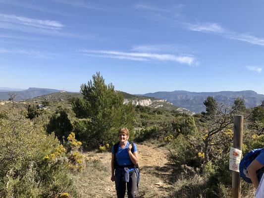 Le Mont des Marseillais au loin
