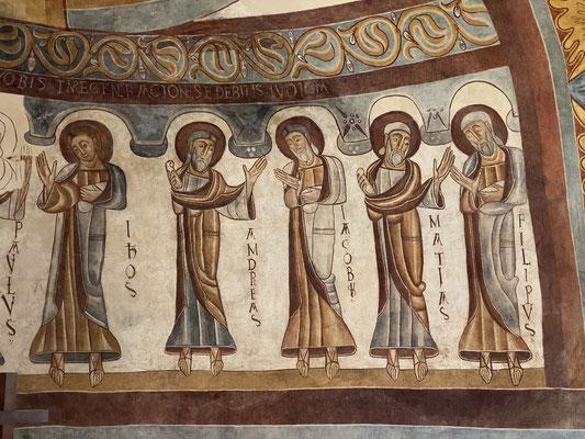 Et ses superbes peintures du XII ème siècle