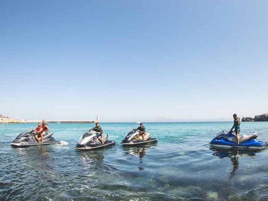 ruta en moto acuática en las playas de Tarifa