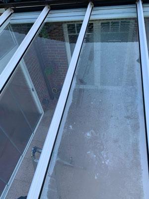 Kristall-Reinigungsservice Terrassendachreinigung vorher nachher