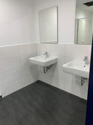 Kristall-Reinigungsservice Baureinigung Badezimmer 2