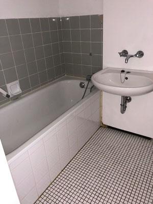 Kristall-Reinigungsservice Grundreinigung Badezimmer