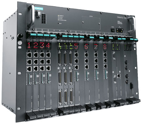 SIMATIC TDC, bestücktes Rack © Siemens AG 2019, All rights reserved